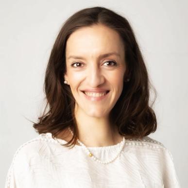Daniela Damian Apr 2021